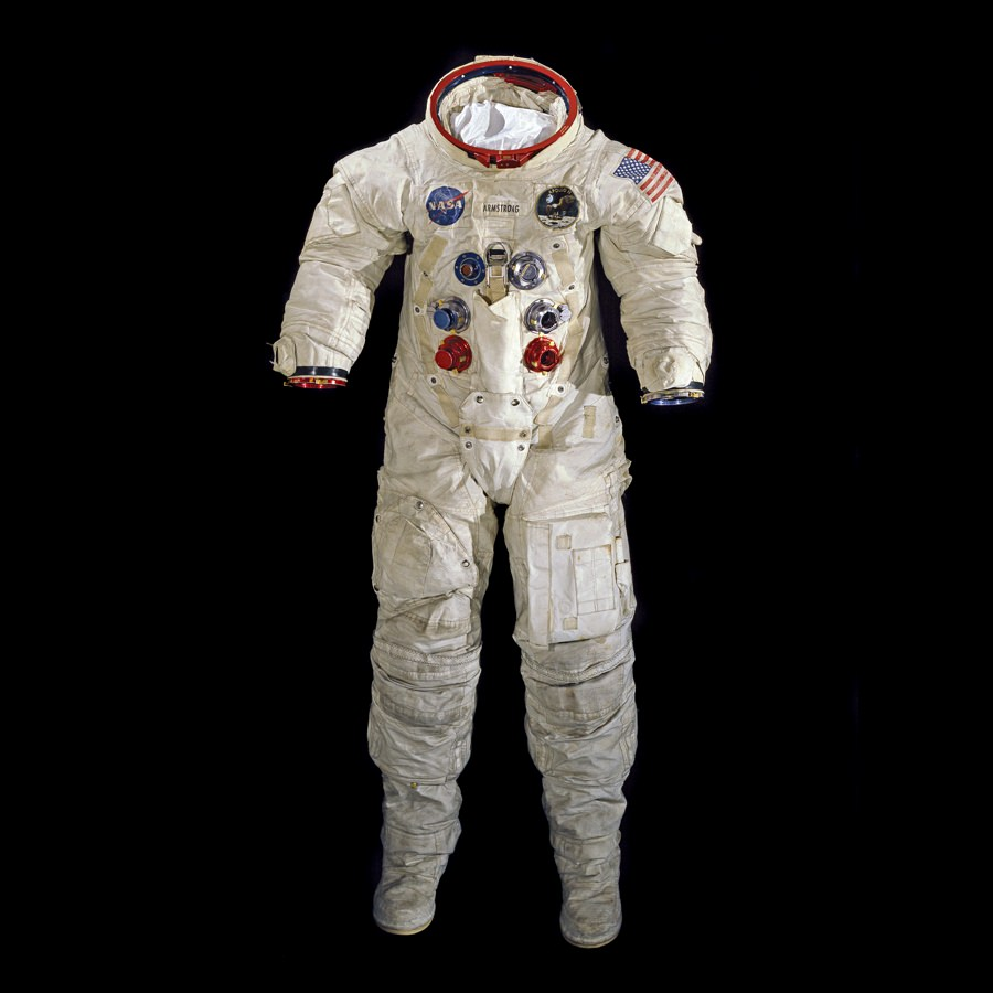 10 Secrets About the Moon Landing