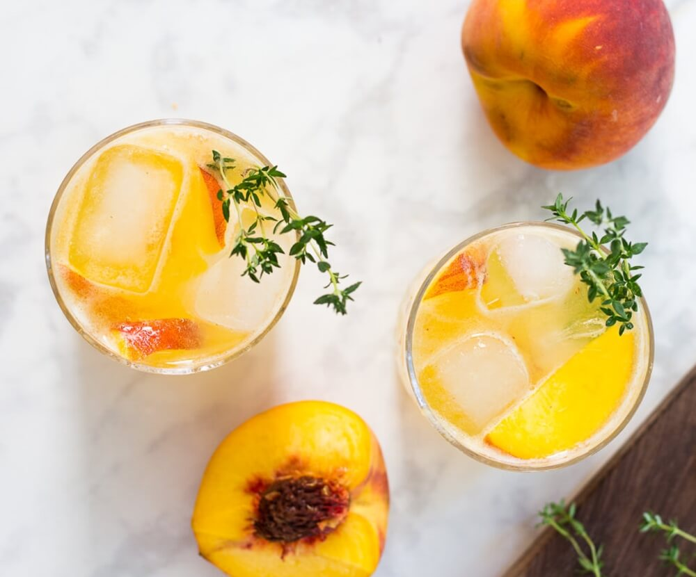Peach Gin Fizz cocktail recipe