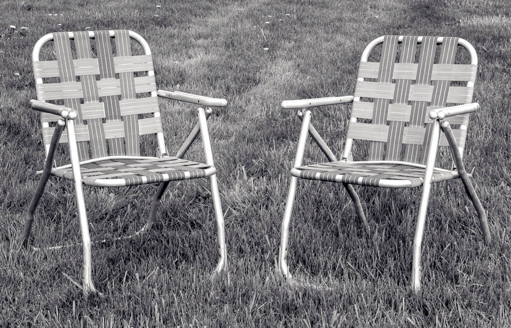 Tubular lawn chair from the 1960s