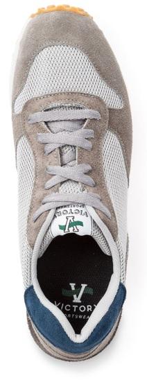 Victory Sportswear Speed Runner Sneaker