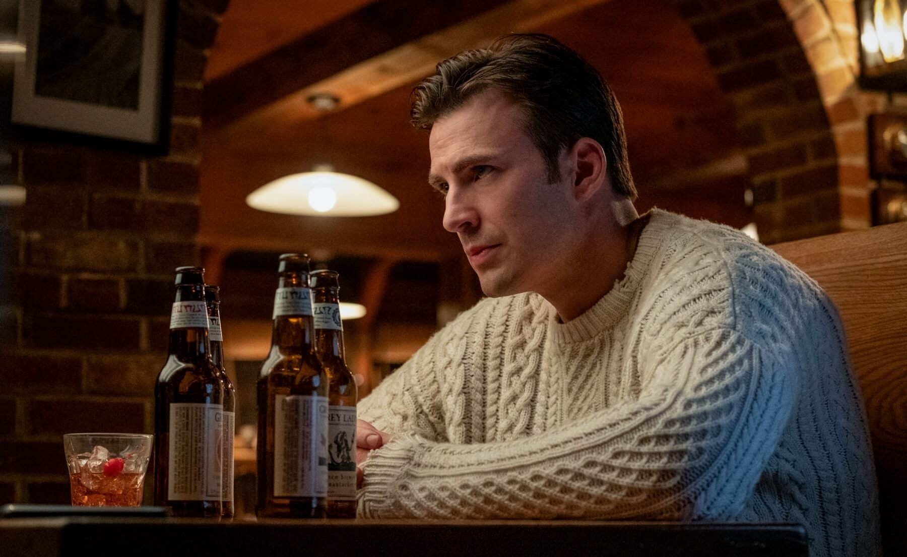 Chris Evan in a Peregrine sweater in Knives Out movie